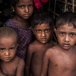 """""""Myanmar Ordusu Arakan'da Çocukları Canlı Canlı Ateşe Attı"""""""
