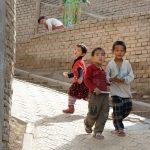 Doğu Türkistan'da Müslüman Çocuklar Ailelerinden Koparılıyor