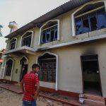Sri Lanka'da Müslümanlar Hedefte: Bir Kişi Öldürüldü, İşyerleri Ateşe Verildi