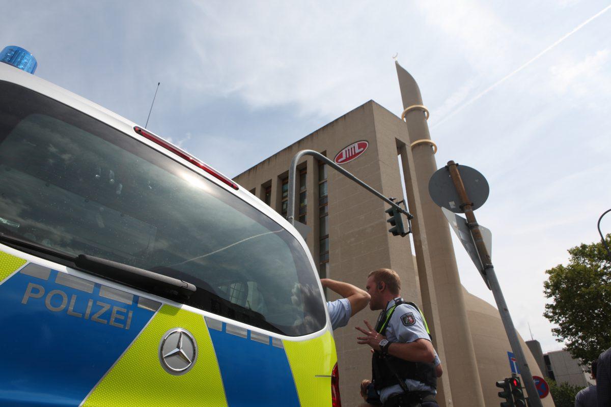 Ditib Köln Merkez Cami Bomba İhbarı