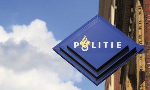 Hollanda: Polisten Başörtüsü Konusunda Geri Adım