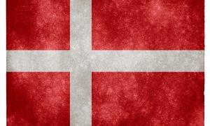 """Danimarka'da Sığınmacılara Karşı Sprey Dağıtan Siyasetçilere """"Irkçılık"""" Cezası"""