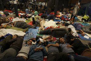 Almanya'da Mülteci Merkezlerine Saldırılar Sürüyor