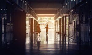 """""""Toplumsal Ön Yargılar Okul Kapısında Sona Ermiyor"""""""