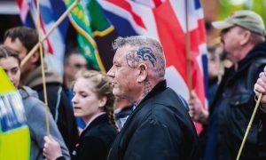 """İslamofobiye Kucak Açan Aşırı Sağcı Bir Grup: """"Önce Britanya"""""""