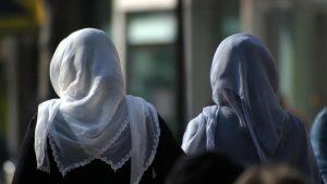 Aşağı Saksonya'da Hakimler ve Savcılara Başörtüsü Yasağı