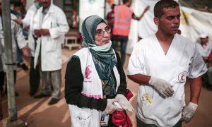 Ateş Hattında Kalan Gazzeli Sağlık Görevlileri ve Muhabirler