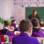 """Avusturya'da İlkokul Çocuklarına """"Başörtüsü Yasağı"""" Ayrımcılığı"""