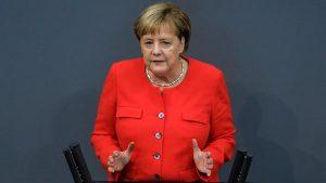 """Almanya'da Yeni Koronavirüs Önlemleri: """"Artan Vakalar Endişe Sebebi"""""""