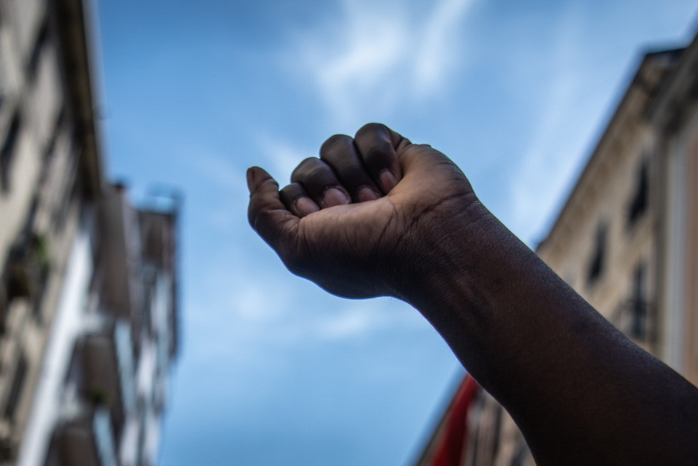 Irkçılığın Faili Toplum, Mefulü Birey