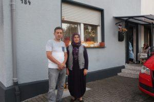 Arabaları Yakıldı, Evleri Boyandı: Türk Ailenin Irkçı Komşuyla Mücadelesi
