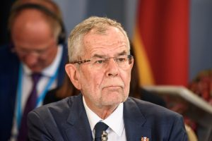 """Avusturya'da Cumhurbaşkanından Hükümete """"Göç Anlaşması"""" Tepkisi"""
