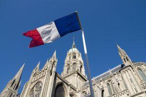 Fransa'da Laiklik Yasasının Değiştirilmesine Dini Kuruluşlardan Tepki