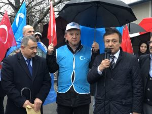 Çin'in Uygurlara Yönelik Uygulamaları Berlin'de Protesto Edildi