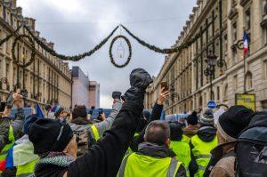 Fransa'da Sarı Yelekliler'in Gösterileri Yedinci Haftasında