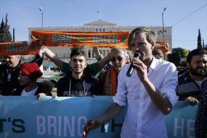 Hollandalı Grup 150 Mülteciyi Ülkelerine Götürmek İstiyor
