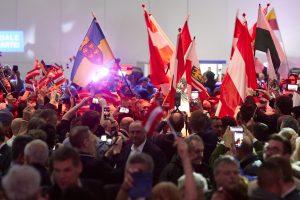 Avusturya'da Neonazilerin Etkinliğinde Konuşma Yapan FPÖ Üyesine Tepki