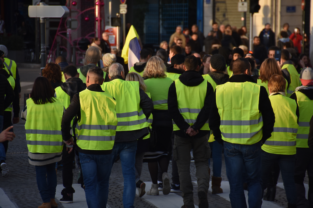 Kim Bu Fransa'yı Sarsan Sarı Yelekliler?