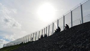 İngiltere'de Hükümet Sığınmacılara Karşı Donanmadan Yardım İstedi