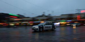 Finlandiya'da Camiye Irkçı Saldırı: Camı Kırıp Sis Bombası Attılar