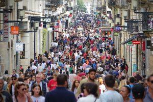 Fransızlar Dünyada Demokrasinin Gerileyeceğine İnanıyor