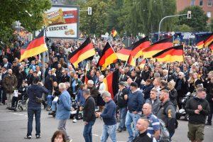 """Almanların Yarısından Fazlası """"Ülkede Demokrasi Tehlikede"""" Dedi"""