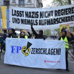 """Avusturya'da Vatandaşlardan Çağrı: Irkçı """"Kimlikçiler Hareketi"""" Yasaklansın"""