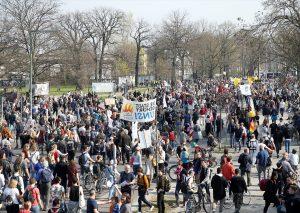Almanya'da Konut Kiralarındaki Artışa Vatandaşlardan Tepki