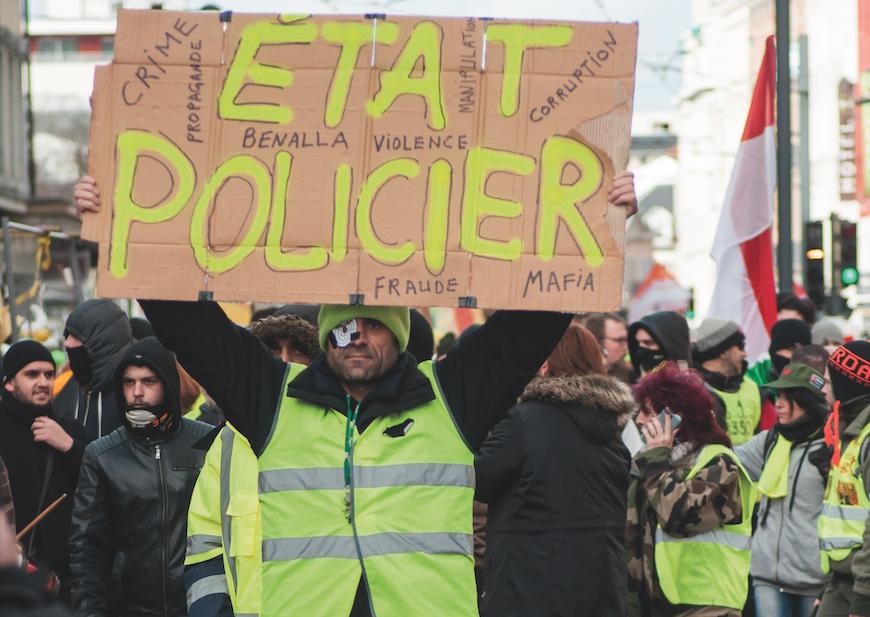 Fransa Kendi Polis Şiddetini Fark Etmeye Mi Başlıyor?
