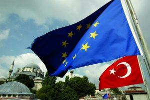 AB Mülteciler İçin Türkiye'ye Maddi Desteği Artırmayı Planlıyor