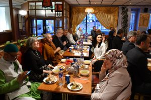 Müslümanlar ve Hristiyanlar iftar Programında Bir Araya Geldi