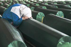 """Hollandalı Komutandan Srebrenitsa İtirafı: """"İnsanlık Tarihinin En Büyük Başarısızlığı"""""""