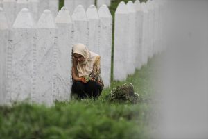 Boşnak Milletinin En Derin Yarası: Srebrenitsa Soykırımı