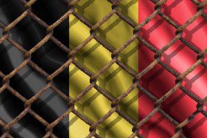 Belçika'da Düzensiz Göçmen Mahkemede Kendini Yaktı