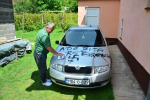 Bosna Hersek'te Müslümanların Ev ve Araçlarına Çirkin Saldırı