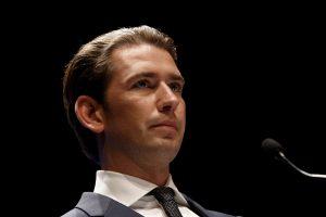Avusturya'da Yeni Koalisyonun İlk Vaadi Başörtüsü Yasağı