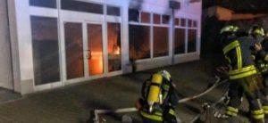 Almanya'da Camide Çıkan Yangında Kundaklama Şüphesi Güçlendi