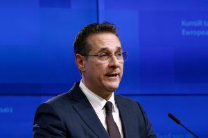 Avusturya'da Eski Başbakan Yardımcısı Aşırı Sağcı Lider, Partisinden İhraç Edildi