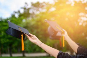 Irkçılar Tehdit Etti, Lise Diploması Alan Öğrenci Gazeteden İsmini Kaldırttı