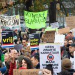 Hollanda'da Vatandaşlar Irkçılığa Karşı Sokağa İndi