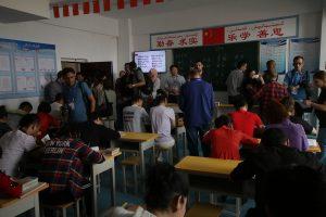 """""""Uygur Türkleri Domuz Eti Yemeye, İçki İçmeye, Dinlerini Değiştirmeye Zorlanıyorlar"""""""