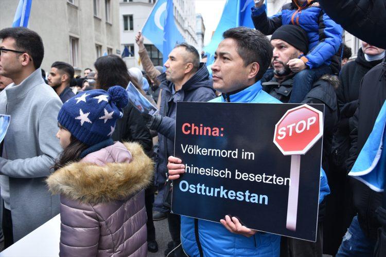 Viyana uygur Türkleri Protestosu