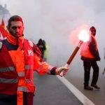 """Fransa'da """"Emeklilik Reformu""""na Tepkiler Sürüyor: 36 Kişi Yaralandı"""