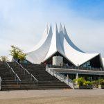 Almanya'da Güldür Güldür Şov'un Sahnelendiği Salonun Önünde Silahlı Saldırı