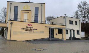 Almanya'da Cami Duvarına Tehdit Mesajı Yazıldı