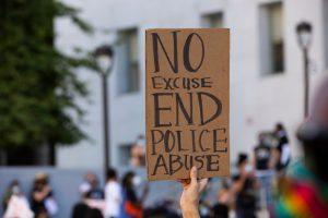 ABD'de Polis Şiddetine Karşı Protestolarda Tansiyon Yükseliyor