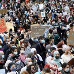 Brüksel'de Üniversitede Başörtüsü Yasağı Protesto Edildi