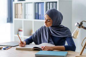 Almanya'da Öğretmenler İçin Başörtüsü Tartışması Yeniden Gündemde