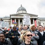 İngiltere'de Koronavirüs Önlemlerine Karşı Protesto