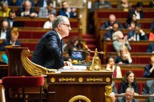 Fransa'da Meclis Başkanından Başörtü Karşıtlarına Tepki